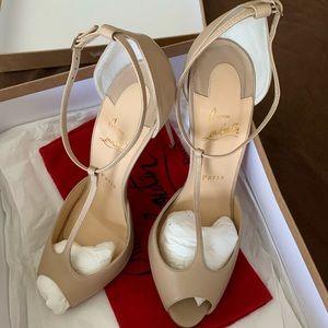 Christian Louboutin ~ Senora Patent T-Strap Sandal